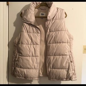 Old Navy creme puffy vest - new!